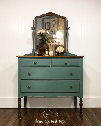 July 2018 ~ Heart Fluttering Vintage Dresser Love